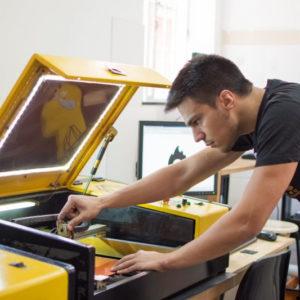 Corte a laser (CNC – Setembro/2018) – Equipamentos de última geração (imagem ilustrativa)